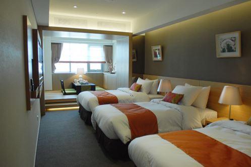 pj-hotel-premier-triple-room